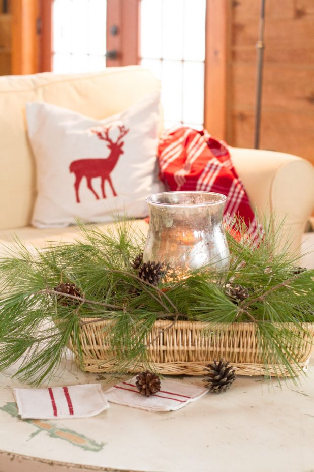 Christmas Coffee Table Vignette