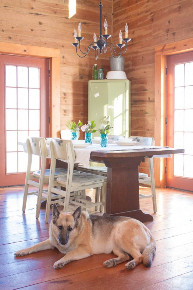 Spring Dining Room in a Log Home