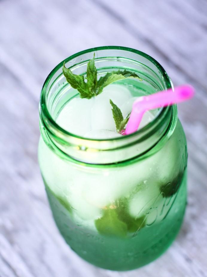 Mint Water Recipe | twitter.com/CCainCabin | http://www.pinterest.com/dawncain/ | twitter.com/CCainCabin | http://www.pinterest.com/dawncain/ | www.facebook.com/creativecaincabin | #FlavoredWaterRecipe