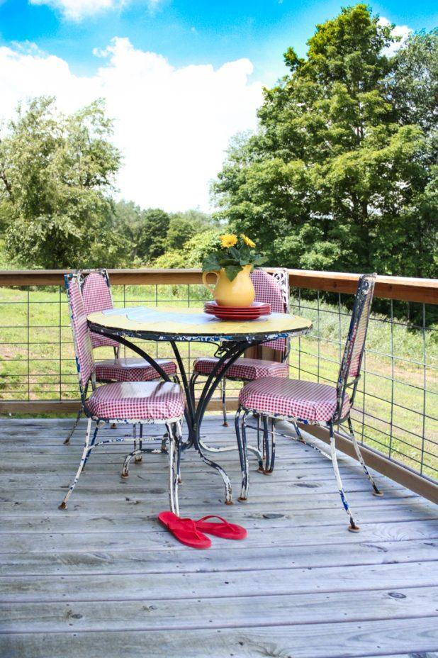 Daisy Table Makeover   DIY   Creative Cain Cabin