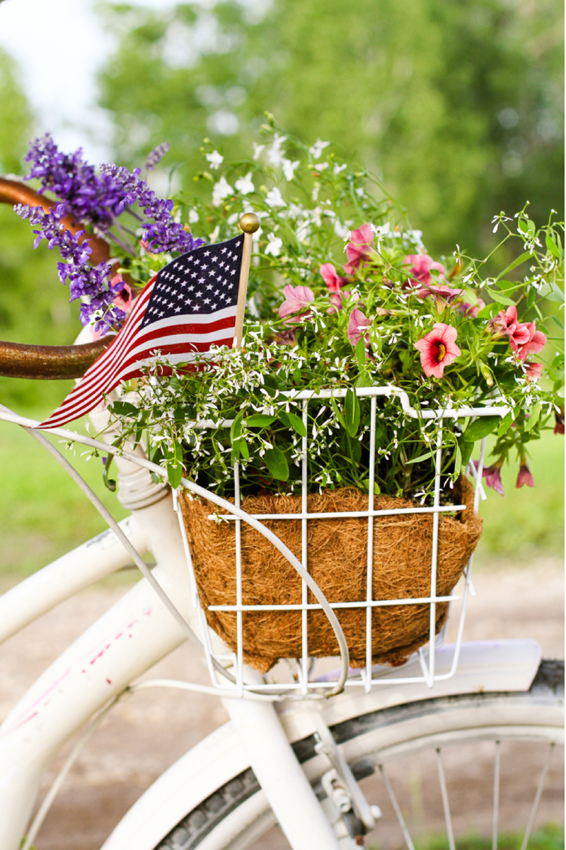 Patriotic Bike   Bike With Basket of Flowers   4th of July  Red, White & Blue   Creative Cain Cabin