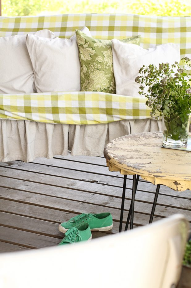 Porch Swing | Creative Cain Cabin