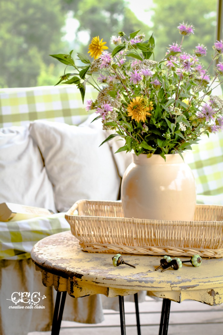 Decorating With Wildflowers | Summer Porch | Creative Cain Cabin