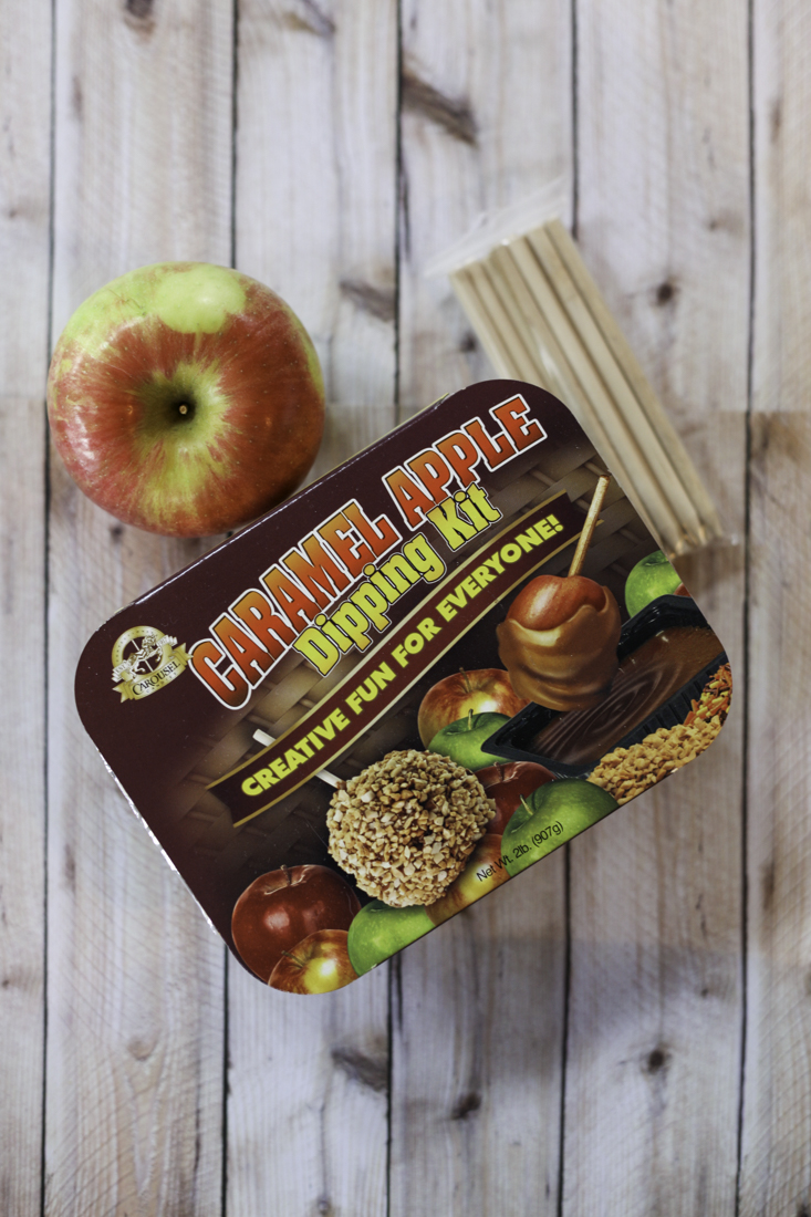 Easy Caramel Apples | creativecaincabin.com