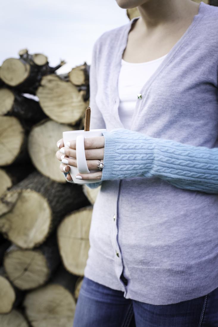 Fingerless Gloves | DIY | How to Make Fingerless Gloves From an Old Sweater | creativecaincabin.com