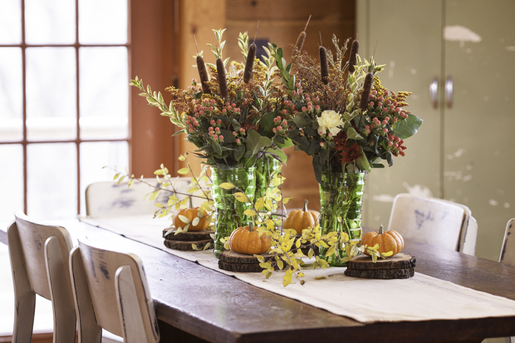 How to Layer a Fall Table Centerpiece | Creativecaincabin.com