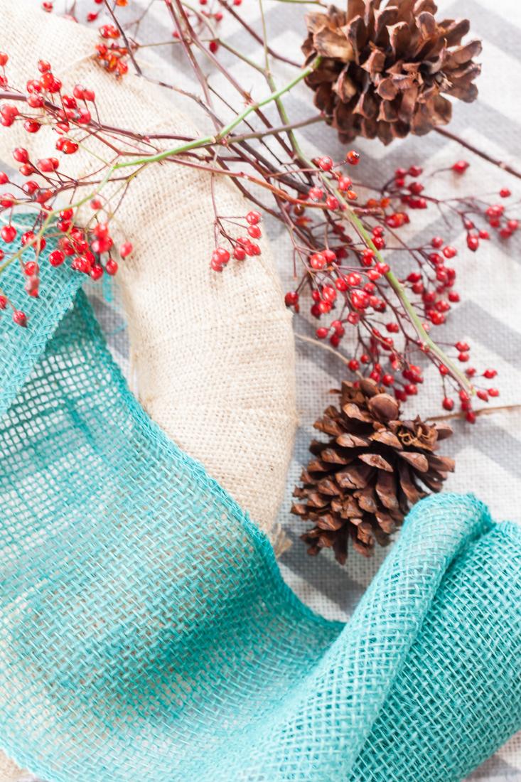 Easy to Make Natural Element Christmas Wreath | Rustic Christmas Wreath | creativecaincabin.com
