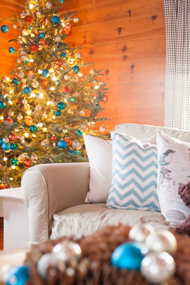 Christmas Tree Decorated Using Turquoise, Rust, and Blush Ornaments   CreativeCainCabin.com