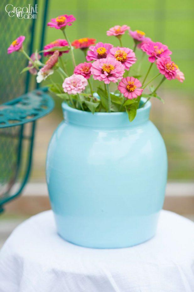 Spray Painted Pottery | DIY | Craft | Spray Paint | Turquoise | Zinnias | CreativeCainCabin.com