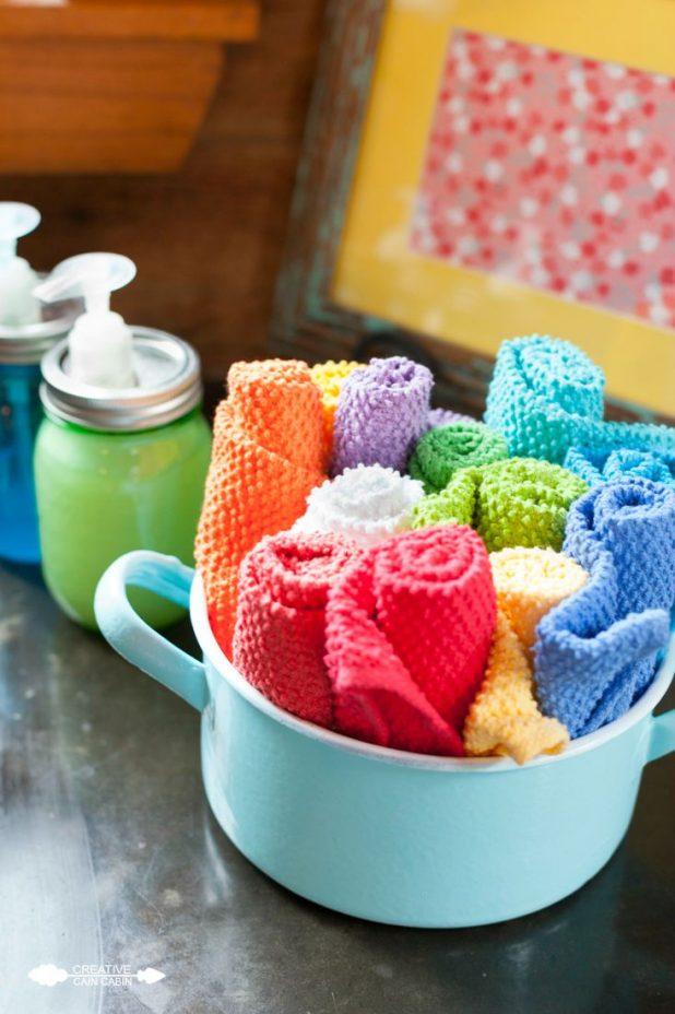 Colorful Vintage Kitchen Accents   CreativeCainCabin.com