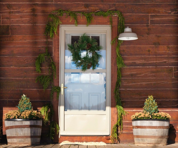 rustic cabin natural christmas door decor - Cabin Christmas Decor