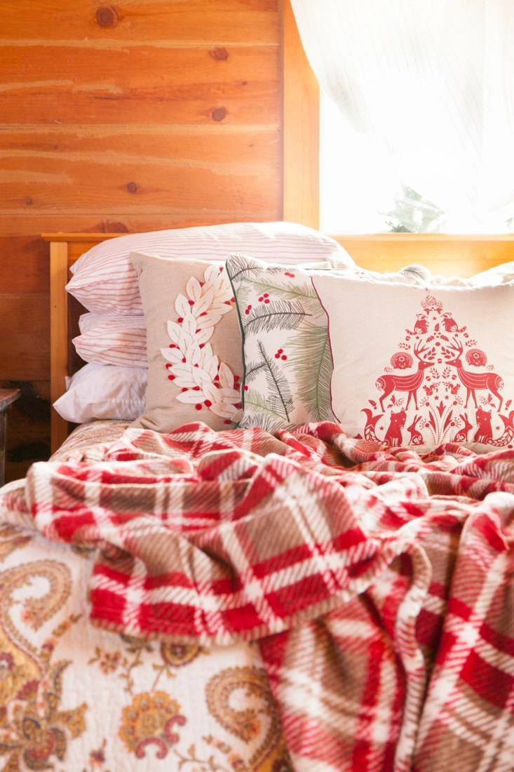 Rustic Log Home Christmas Bedroom