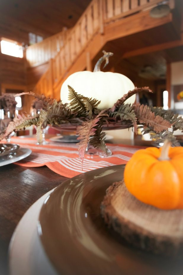 Rustic Thanksgiving Table Using Natural Elements