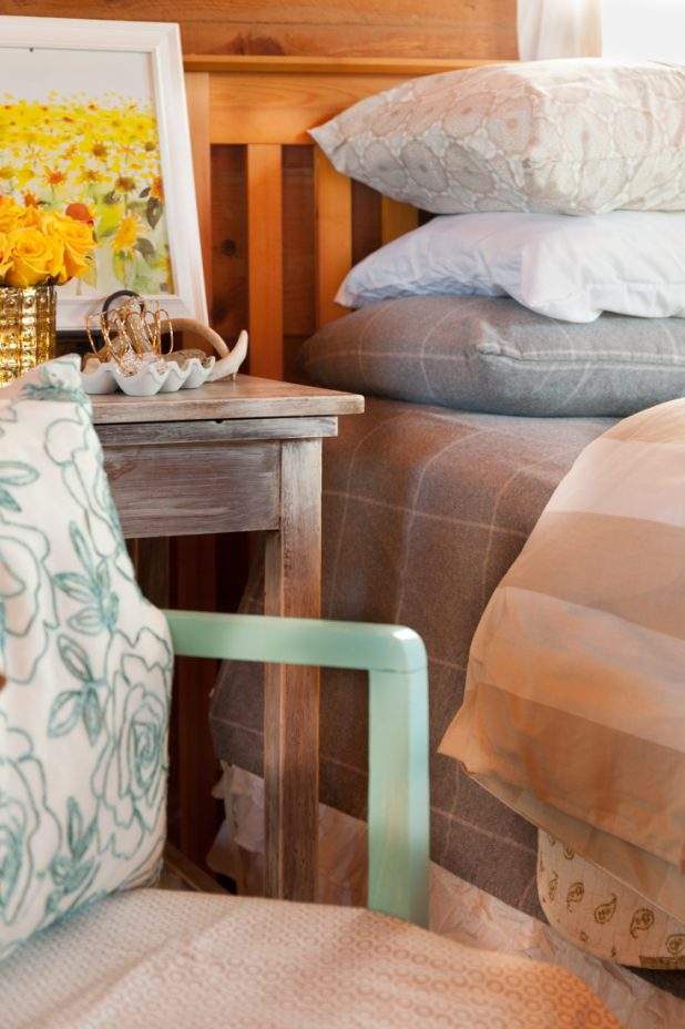 Mixing Bedding Textures, Colors and Patterns