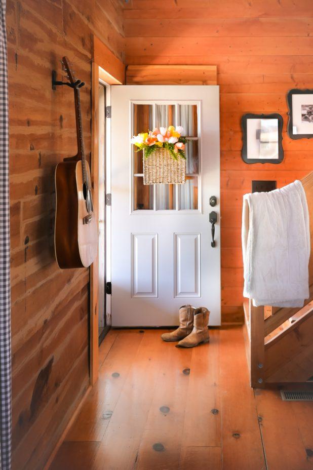 Easy DIY Tulip Basket For Any Door