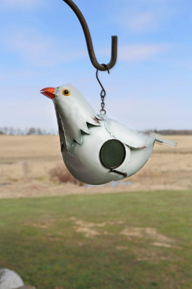 White Pigeon Birdhouse