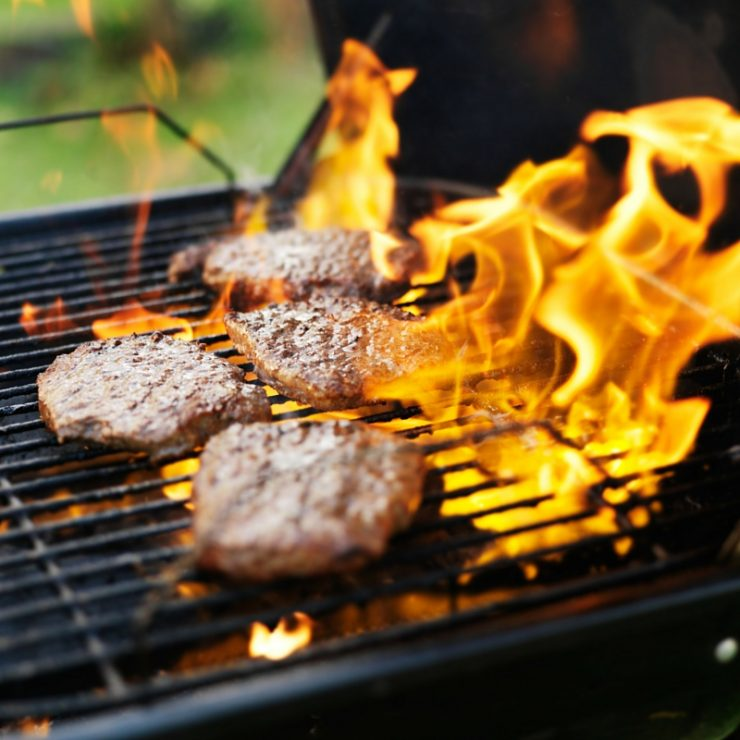 How To Keep Hamburgers From Shrinking On The Grill With These Easy Steps