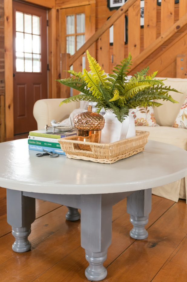Adding Neutral Paint Colors To a Log Home's Decor