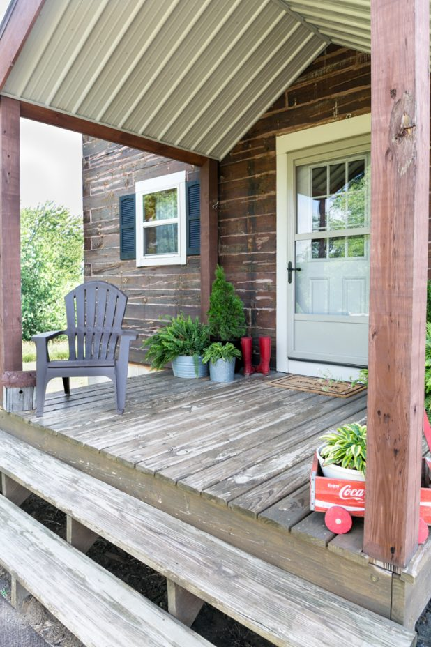 Log Home Summer Porch