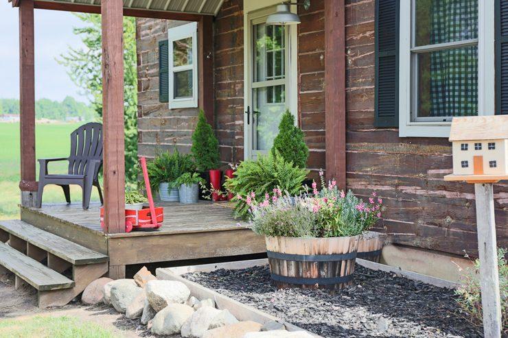 Log Home Summer Porch