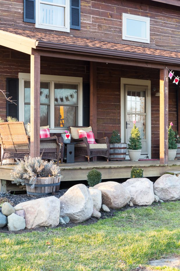 Decorating Ideas for Valentine's Day. Rustic Valentine Log Cabin Porch