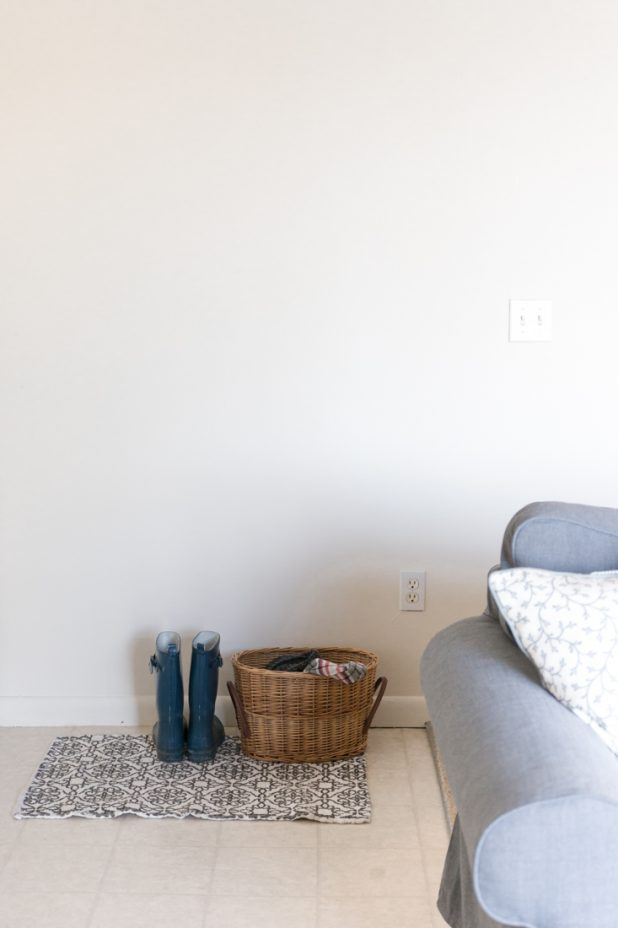 Small Space Entry Wall Before Blank Wall