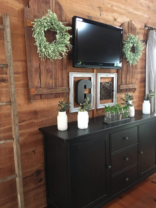 Decorating Around a TV Using Rustic Farmhouse Pieces, to Create A Gallery Wall