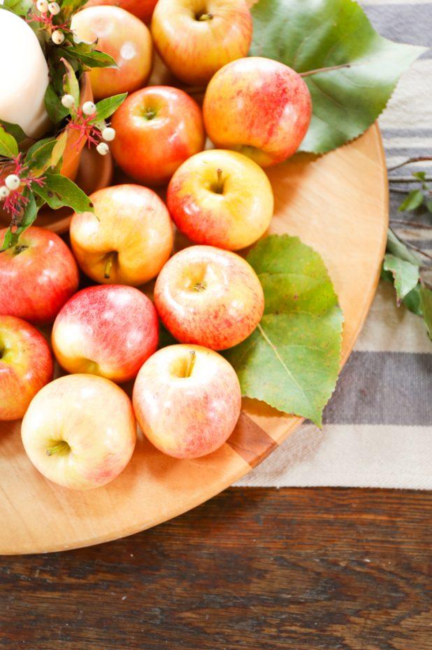 Rustic Farmhouse Decor Using Apples