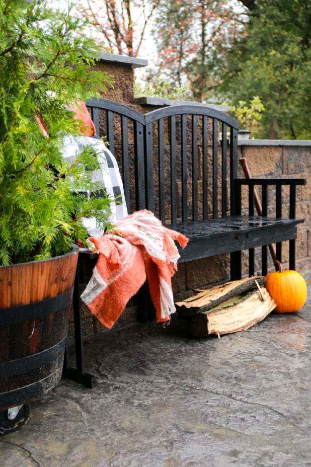 How to Make a Bench From an Old Baby Crib