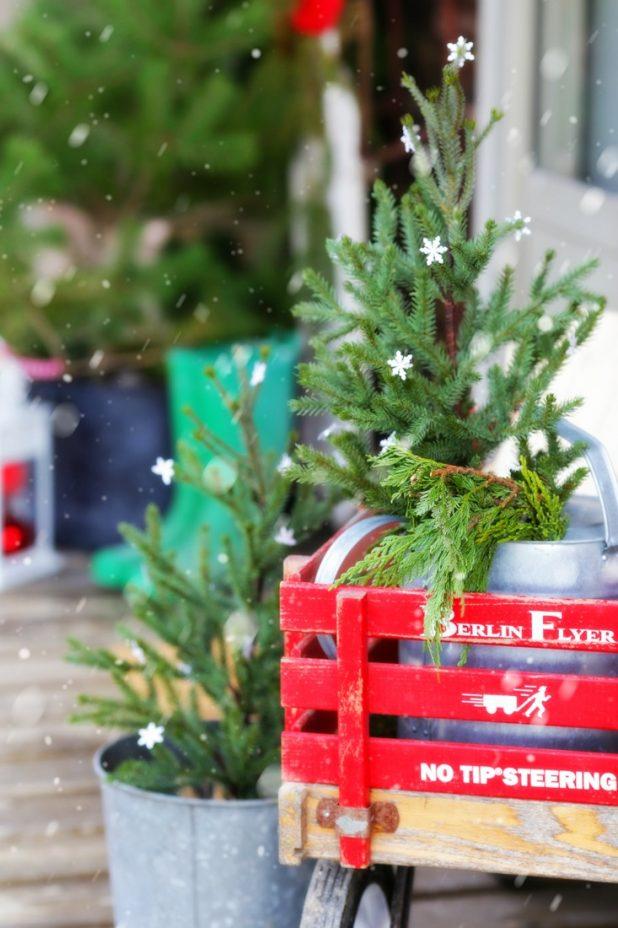 Christmas Red Wagon