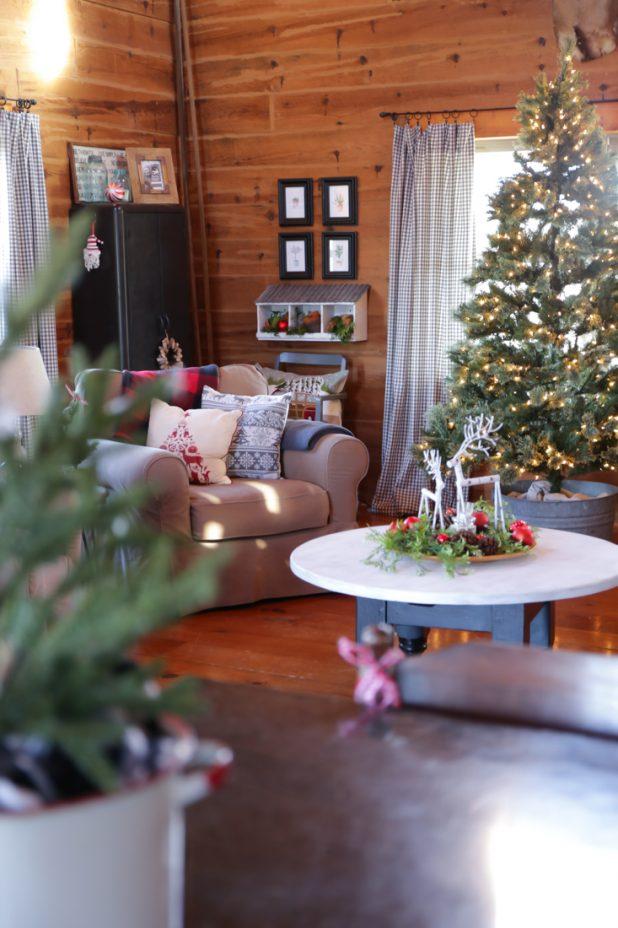 Rustic Log Home Christmas Living Room Tour