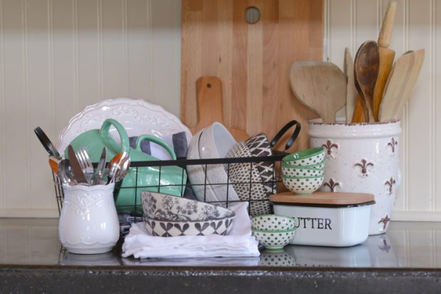 Must Have Items To Get That Farmhouse Kitchen Look