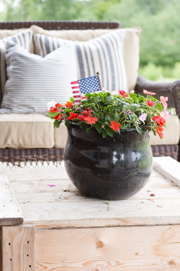 Rustic 4th of July Porch, Red White and Blue, Log Cabin, Patriotic Decor, Simple Farmhouse Decorating