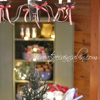 Christmas Dining Room in a Rustic Log Home