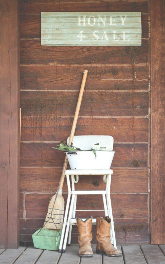 Log Home Porch | Creative Cain Cabin