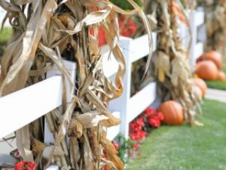 Outdoor Fall Decor Ideas | Creative Cain Cabin