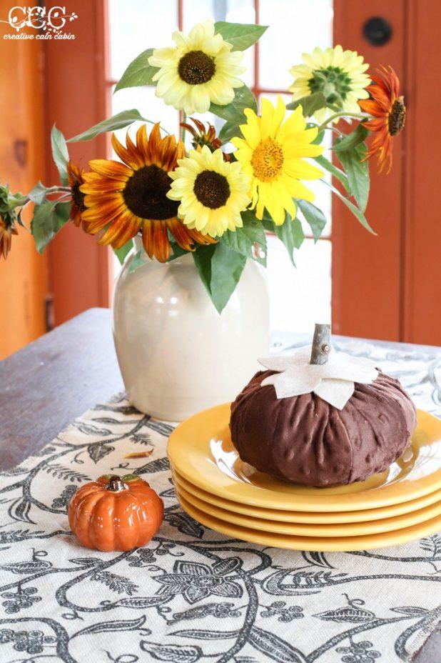 Fall No Sew Burlap Table Runner | Creative Cain Cabin