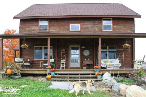 Fall Log Home Porch   CreativeCainCabin.com
