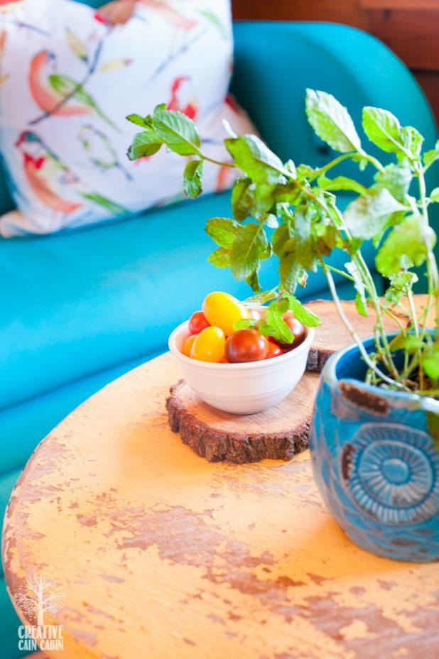 Peacock Chalk Paint LoveSeat | Chalk Paint Through a Spray Gun | Turquoise Decor | Bright Color Decor | CreativeCainCabin.com