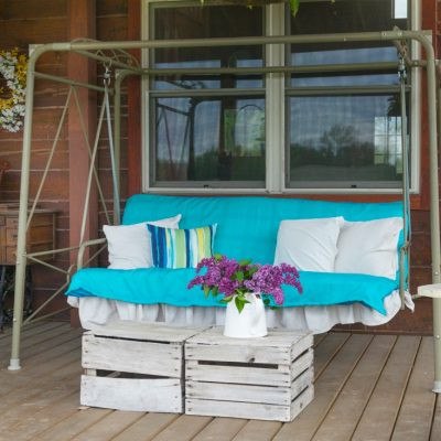 Log Home's Summer  Porch