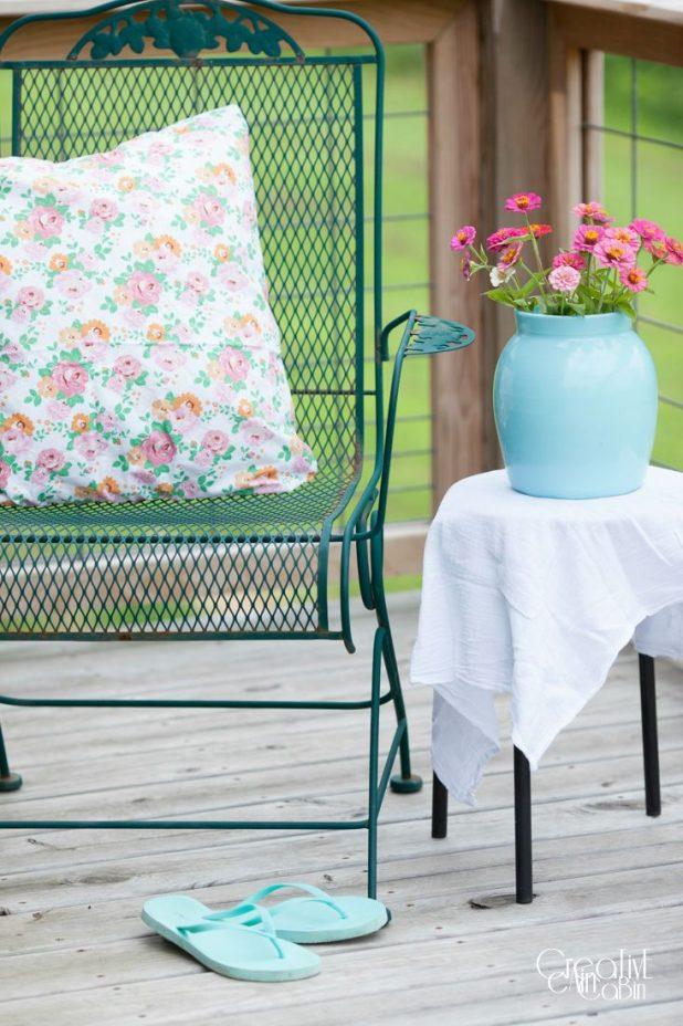 Spray Painted Pottery   DIY   Craft   Spray Paint   Turquoise   Zinnias   CreativeCainCabin.com
