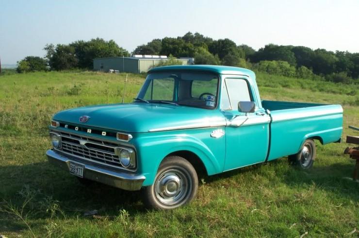 Turquoise Ford Truck | CreativeCainCabin.com