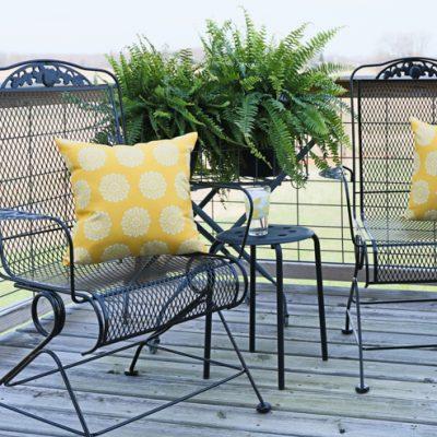 How to Prep & Paint Metal Deck Furniture {Video Tutorial}