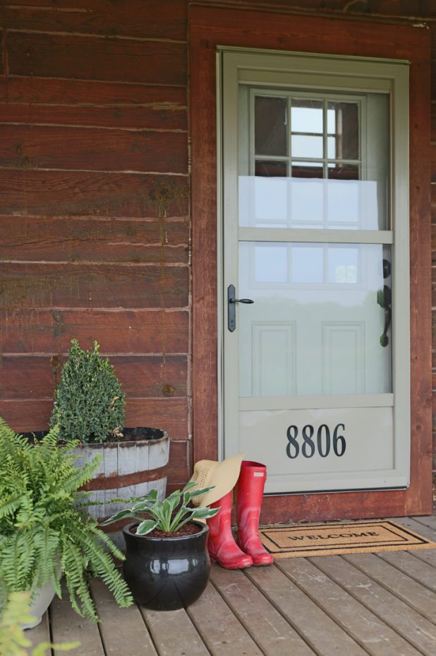 How to Update Ugly Door Knobs With Spray Paint and Step by Step Product List and Tutorial