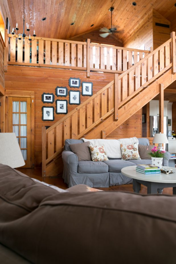 Neutral Colors in a Log Home