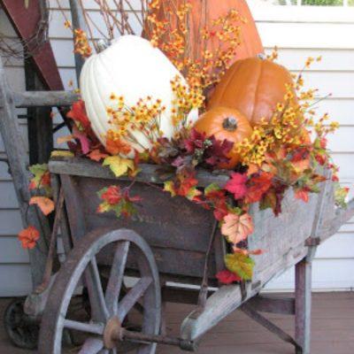 Ways to Decorate Garden Carts & Wheelbarrows For Fall
