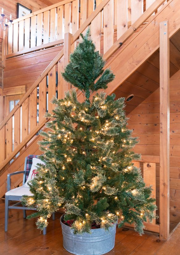 How To Assemble An Artificial Christmas Tree