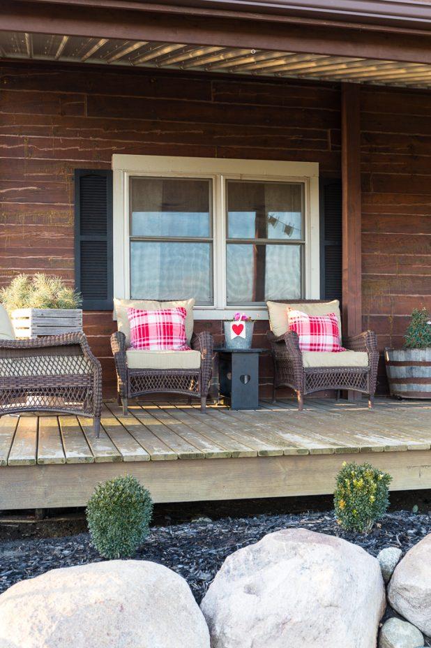 Decorating Ideas for Valentine's Day. Rustic Valentine Log Cabin Porch