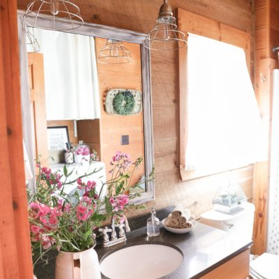 Guest Bath Farmhouse Makeover