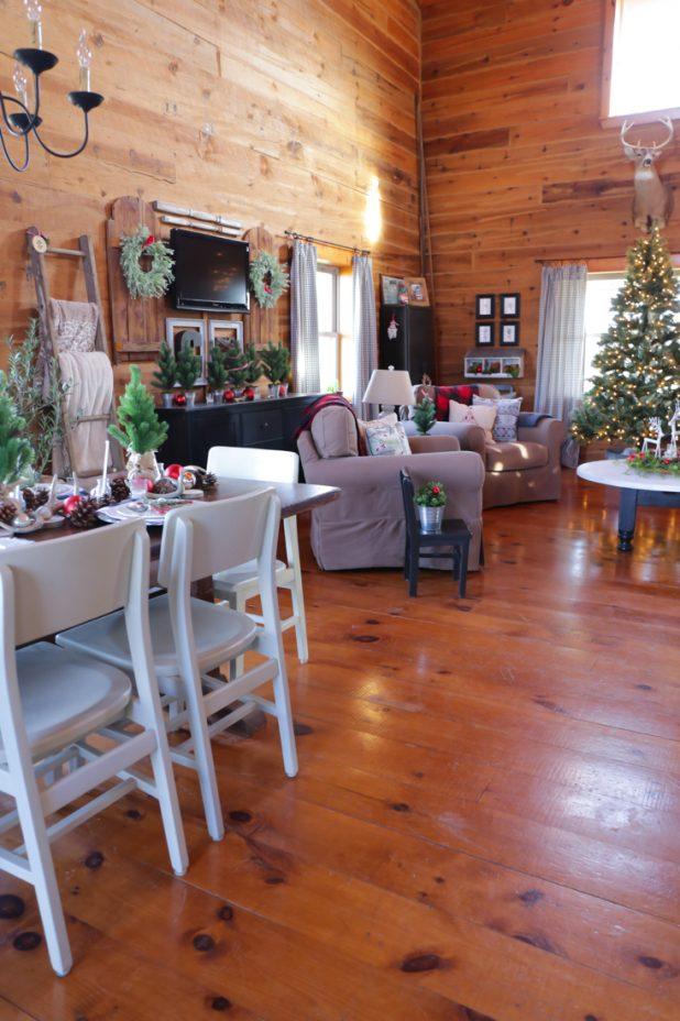 Rustic Log Home Christmas Tour